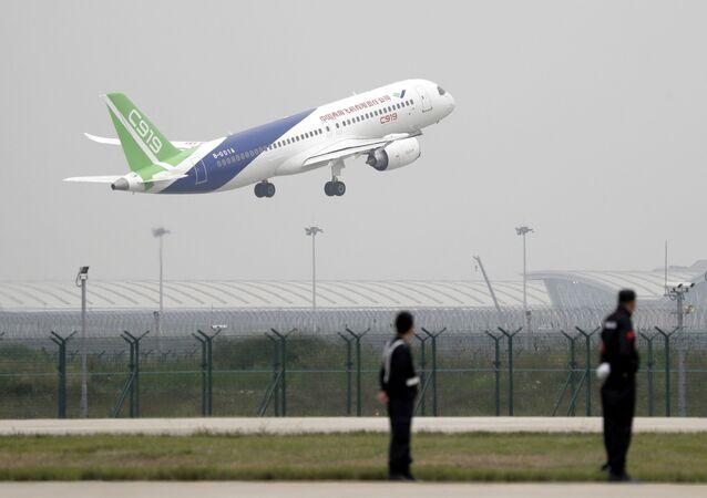 Le premier vol du S-919, concurrent chinois du Boeing 737 et de l'Airbus A320