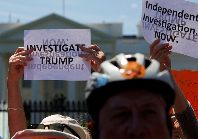 Liens entre Trump et la Russie? quelques manifestants américains réclament une enquête