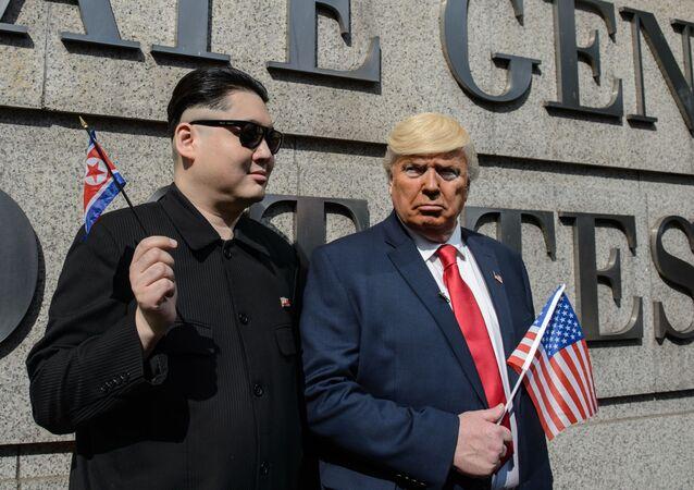 Des sosies de Kim Jong-un et de Donald Trump