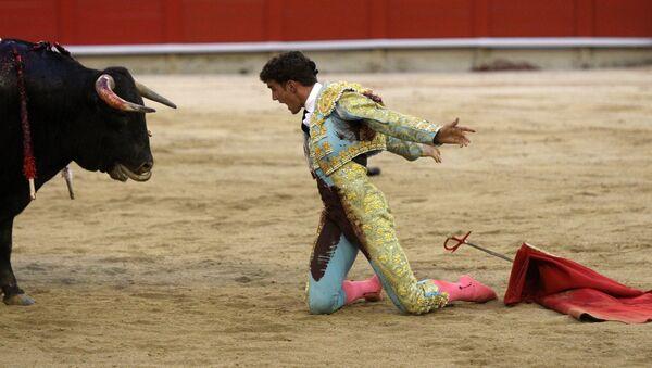 Corrida fatale: un matador tué par un taureau en France - Sputnik France