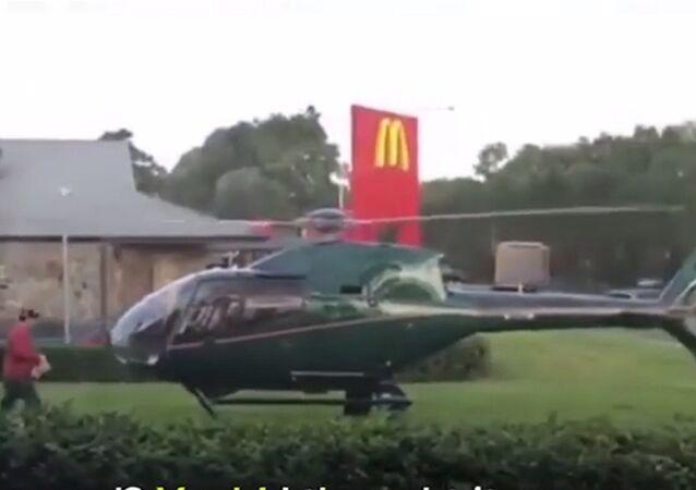 Au McDo en hélicoptère? Un Australien l'a fait!