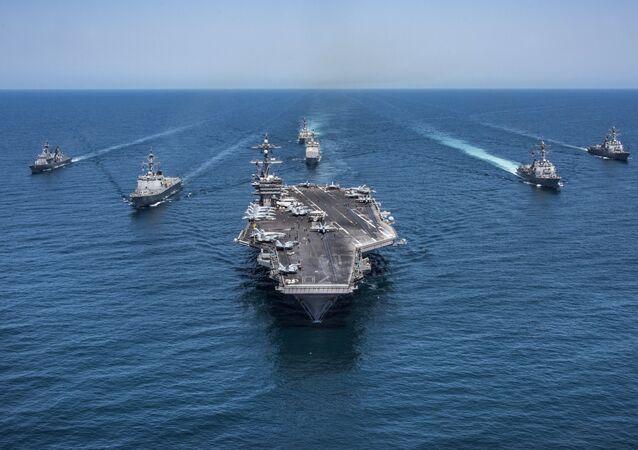 Un groupe d'attaque US entame une  mission dans l'océan Pacifique