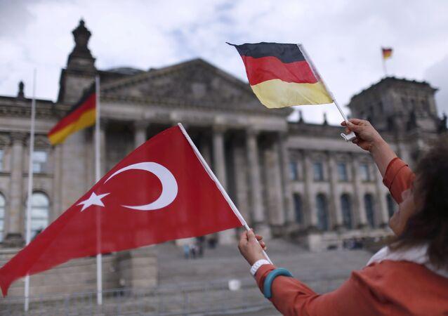 Berlin doit choisir entre Ankara et les putschistes présumés, selon la Turquie