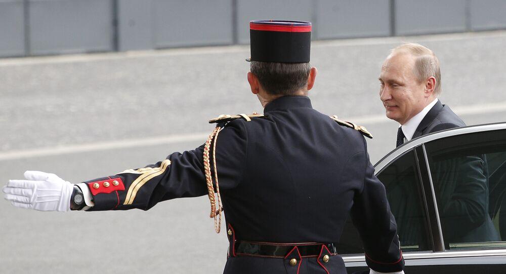 Vladimir Poutine à Paris (archives)