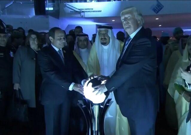 Magie noire et satanisme: le Net s'en prend à Trump en Arabie saoudite