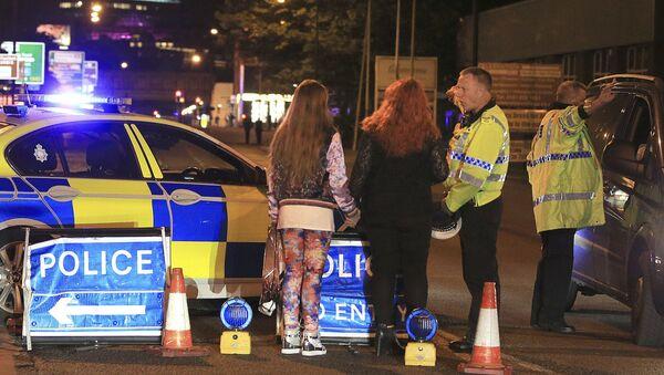 La police à la sortie de la Manchester Arena après une explosion - Sputnik France