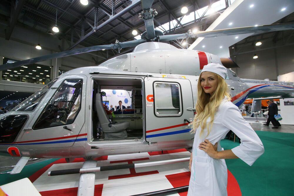 HeliRussia-2017: électromobile-avion, automobile-hélicoptère et le nouvel hélicoptère Ansat