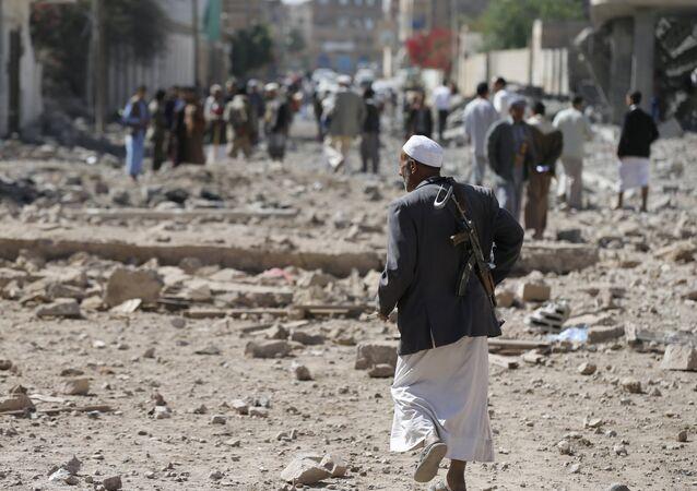 Un houthi à Sanaa