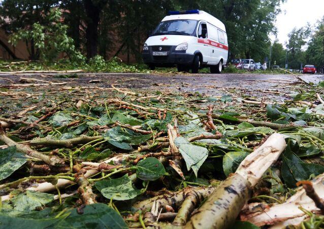 Une ambulance dans une rue de Moscou