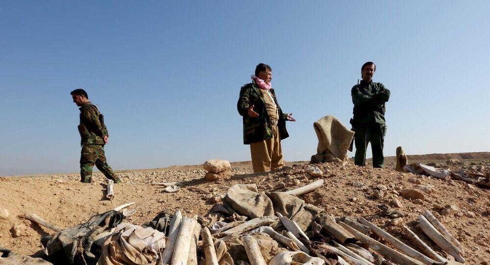 Irak: cinq charniers de Yézidis massacrés par Daech découverts à Sinjar