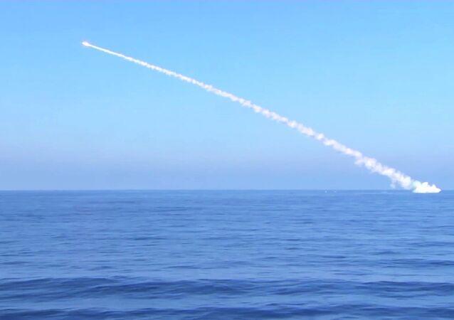 Tir d'un missile Kalibr