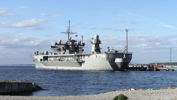 L'USS Mount Whitney, le vaisseau amiral de la Sixième flotte américaine, qui participera aux exercices Sea Breeze 2018 - Sputnik France
