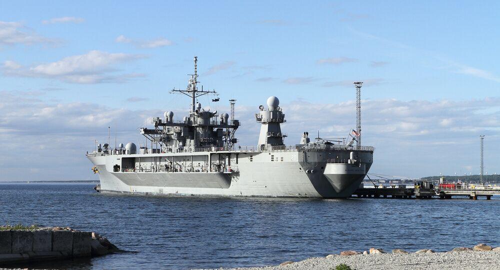 L'USS Mount Whitney, le vaisseau amiral de la Sixième flotte américaine, qui participera aux exercices Sea Breeze 2018