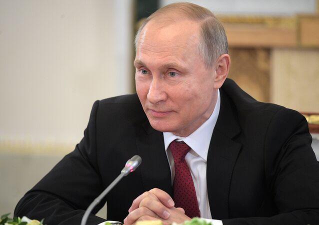 Vladimir Poutine, Président russe et… grand-père