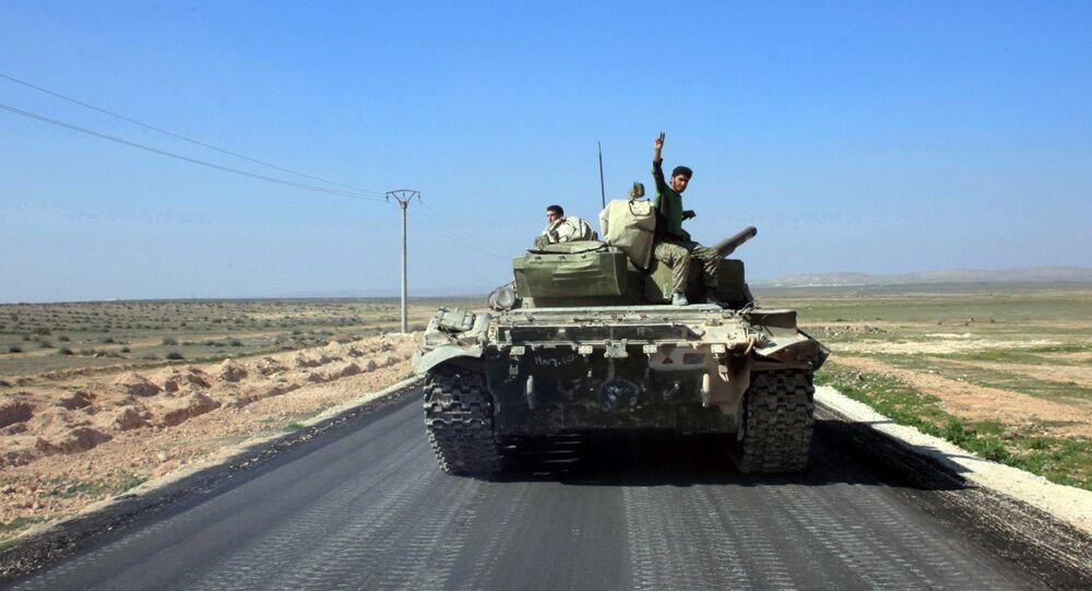 Troupes syrienes près de Khanasser