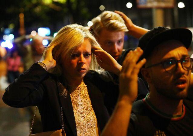 Solidarité face à la tragédie : les habitants de Londres ouvrent leurs portes aux évacués