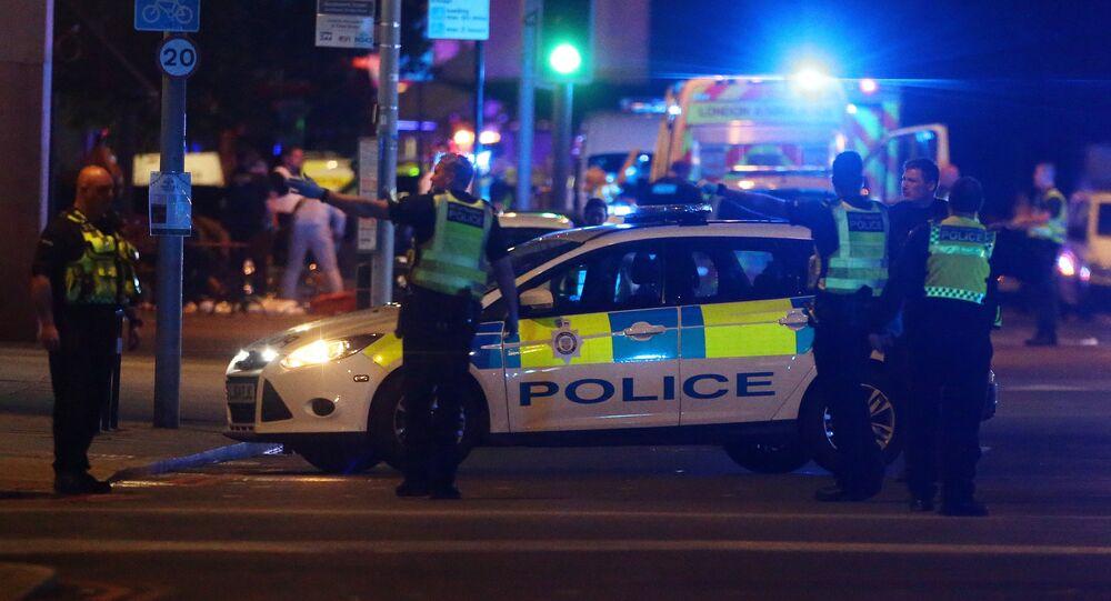 La police assiste à un incident près du London Bridge à Londres, en Grande-Bretagne, le 3 juin 2017
