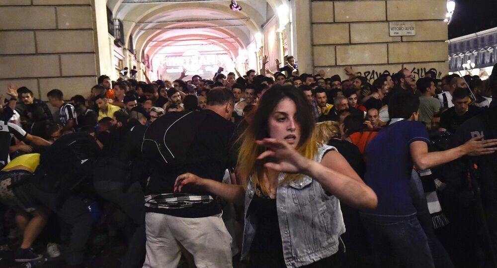 «Un bruit sourd et puis le chaos»: plus de 1.500 personnes blessées à Turin