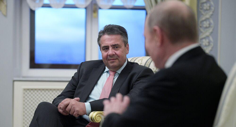 Sigmar Gabriel et Vladimir Poutine à Saint-Pétersbourg