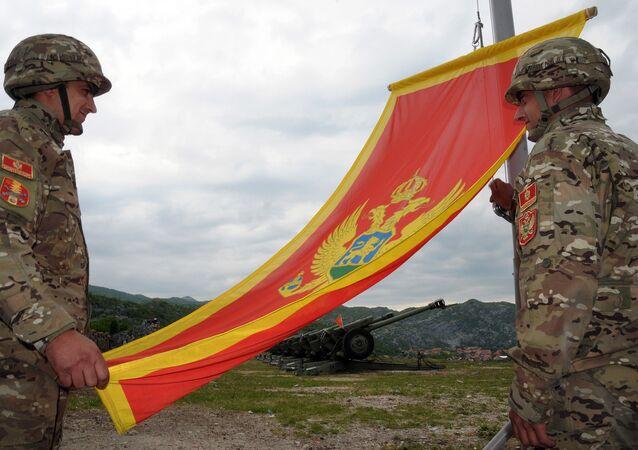 Des soldats monténégrins