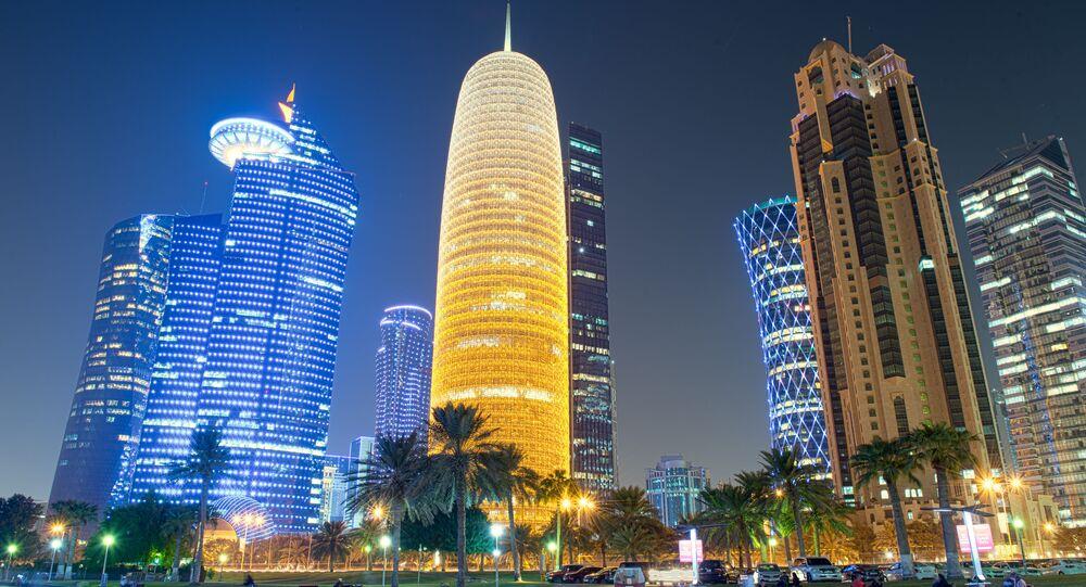 Ночной вид столицы Катара Дохи