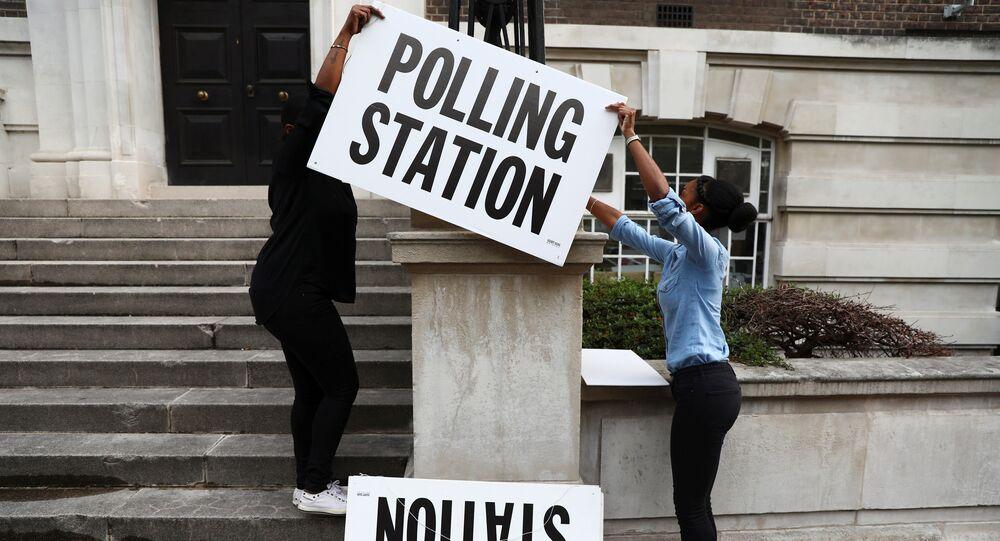 Un bureau de vote à Londres