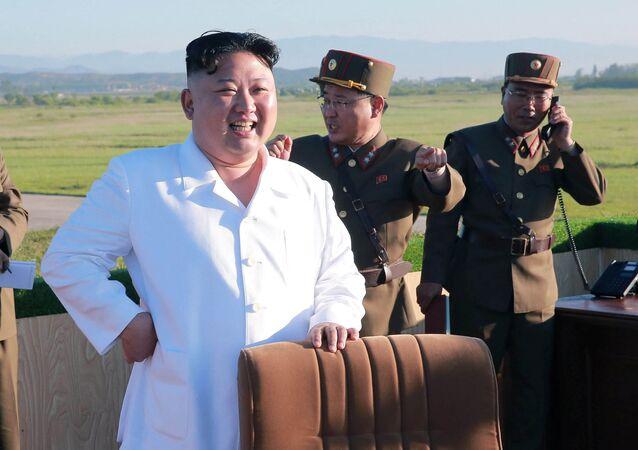 Kim Jong-un pendant le test