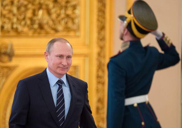 Poutine répond à Oliver Stone au sujet de sa soi-disant envie de devenir tsar