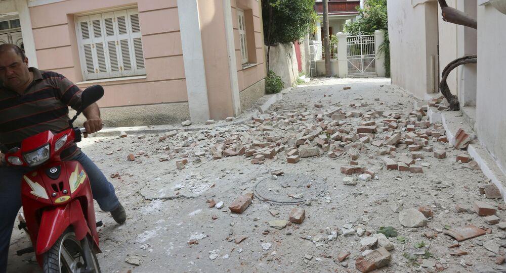 Dix blessés et de nombreuses destructions dans les îles grecques touchées par le séisme