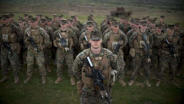 US army soldiers from the US Marine Corps stand in formation during a joint military training Platinum Lion 15-2 with Bulgaria's army at Novo Selo military ground on April 14, 2015 - Sputnik France