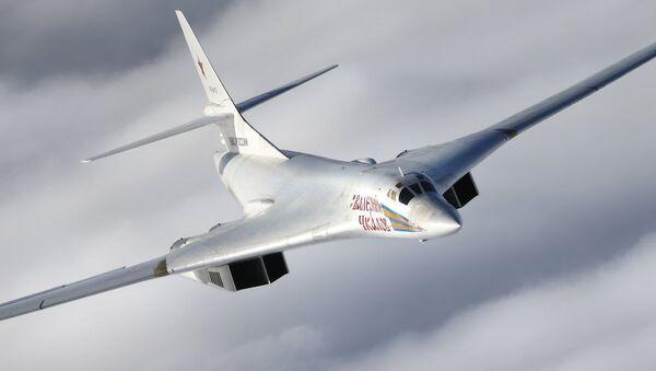 Un Tu-160 russe - Sputnik France