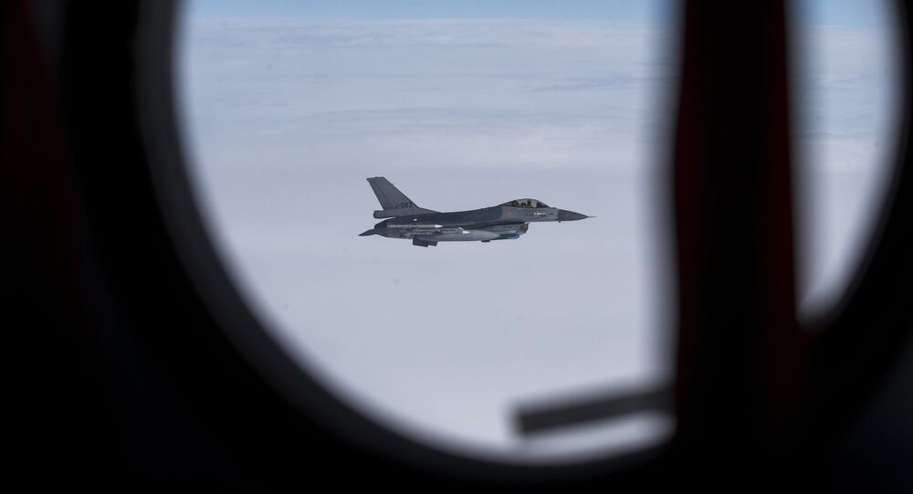 F-16 de la OTAN