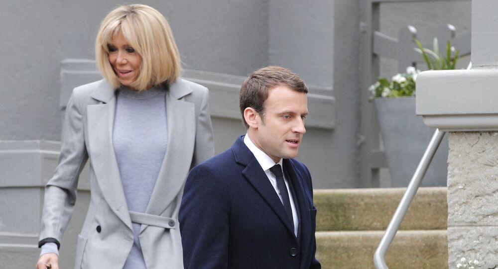 Emmanuel Macron avec son épouse Brigitte