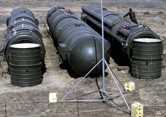 La destruction de missiles soviétiques à moyenne portée sur le polygone de  Kapoustine Yar