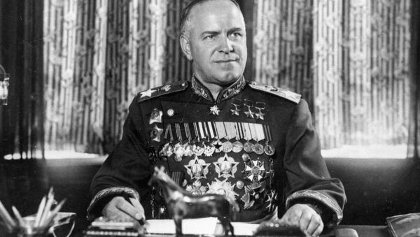 Des inconnus démantèlent une plaque commémorative du maréchal Joukov en Ukraine - Sputnik France