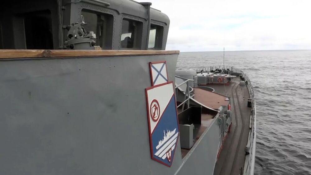 Le sous-marin Iouri Dolgorouki effectue un tir d'un missile Boulava