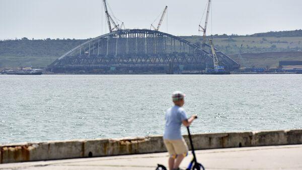 Завершена сборка железнодорожной арки Крымского моста - Sputnik France