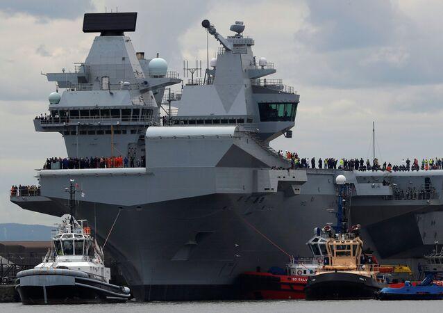 Un porte-avions UK Queen Elizabeth