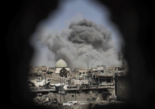 Explosion près de la mosquée d'al-Nuri lors de l'opération des forces irakiennes pour libérer la ville de Mossoul