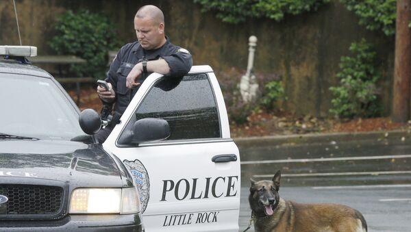 Un policier de Little Rock - Sputnik France