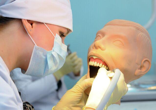 un dentiste