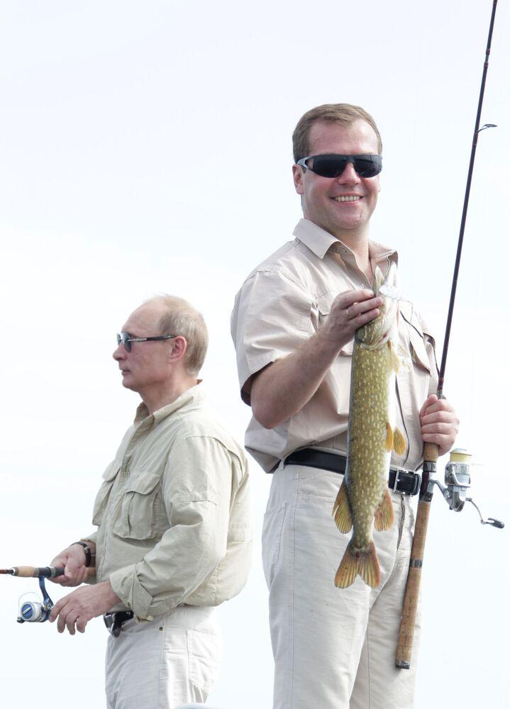 Les hommes politiques à la pêche