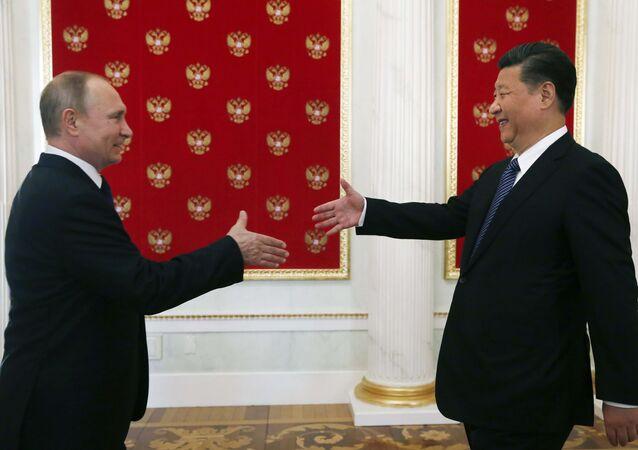 Le président russe Vladimir Poutine et son homologue chinoise Xi Jinping