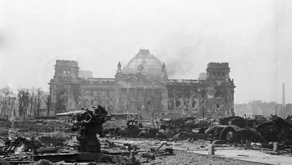 Crimes contre l'humanité: Varsovie demande aux USA l'extradition d'un nazi ukrainien - Sputnik France