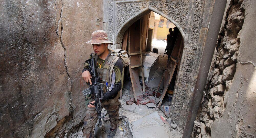 Membres de l'armée irakienne dans la vieille ville de Mossoul