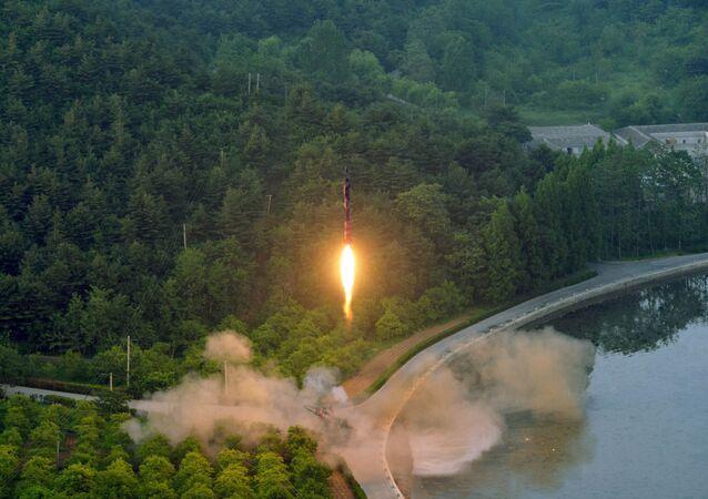 Le lancement d'un missile par la Corée du Nord