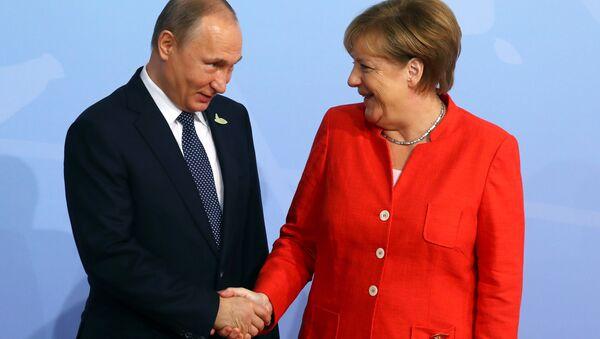 Vladimir Poutine et Angela Merkel - Sputnik France