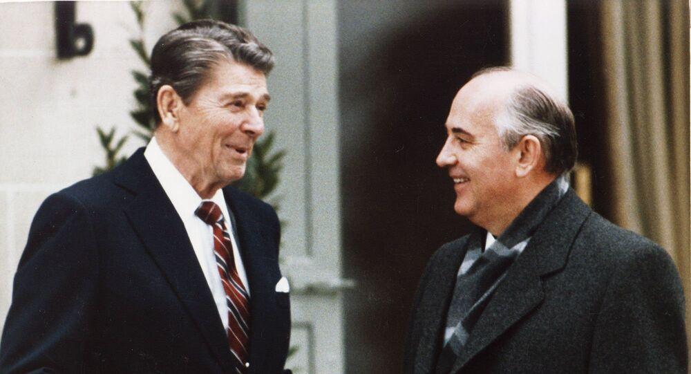 La rencontre entre Gorbatchev et Reagan à Genève, le 19 novembre 1985.