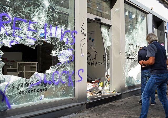 Diplomatie allemande: les émeutes à Hambourg nuisent à l'image du pays