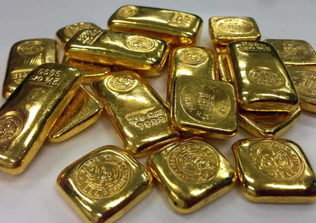 Au Japon, des lingots d'or retrouvés dans les toilettes d'un avion